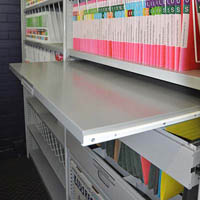 STEELCO TAMBOUR PULL OUT REFERENCE SHELF 900MM WHITE SATIN