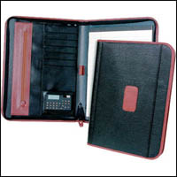 WATERVILLE EXECUTIVE PORTFOLIO VINYL ZIPPERED SPINE WITH POCKETS AND WRITING PAD A4 BLACK
